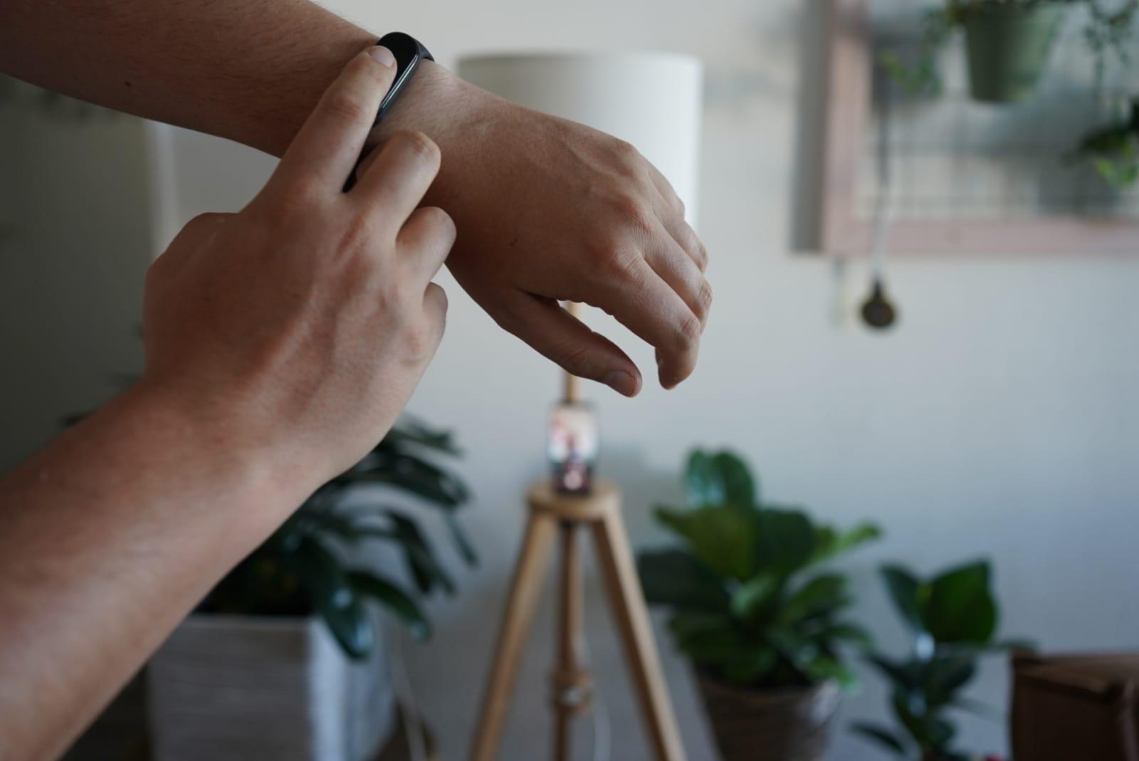 Telefooncamera bedienen op afstand Mi Band 5 Xiaomi stappenplan