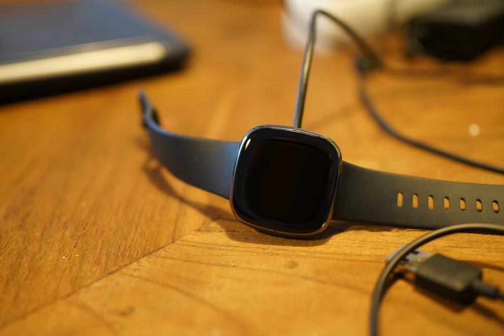 Opladen Fitbit Sense review